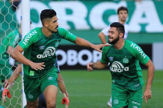 Chapecoense vence o São Paulo e acaba com jejum no Brasileirão Márcio Cunha/Especial