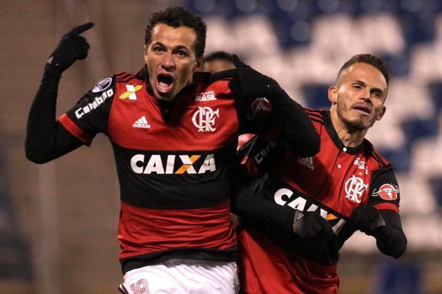 Leandro Damião desembarca em Porto Alegre na manhã de domingo Staff Images / Flamengo/Staff Images / Flamengo