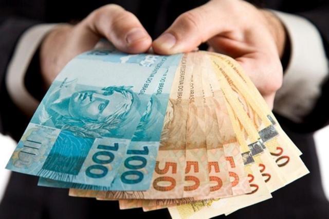 Vale a pena antecipar imposto de renda e 13º salário? Tire suas dúvidas Reprodução/Getty Images