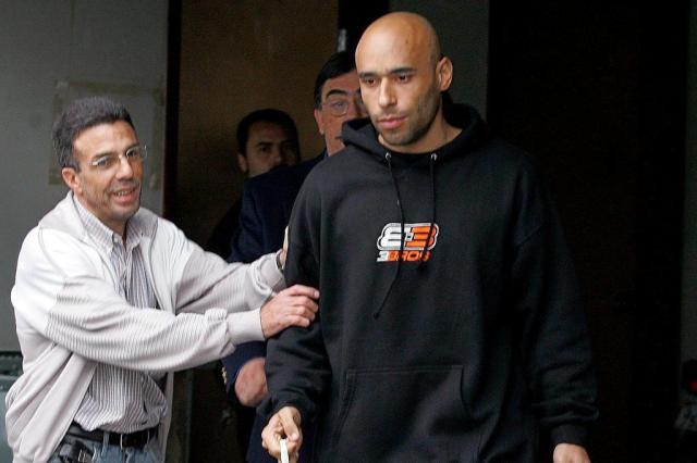 Edinho, filho de Pelé, apresenta-se à Polícia e é preso pela quinta vez Ver Descrição/Ver Descrição