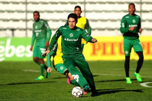Sem holofotes, volante Fahel tem papel decisivo na boa campanha do Juventude na competição Diogo Sallaberry/Agencia RBS