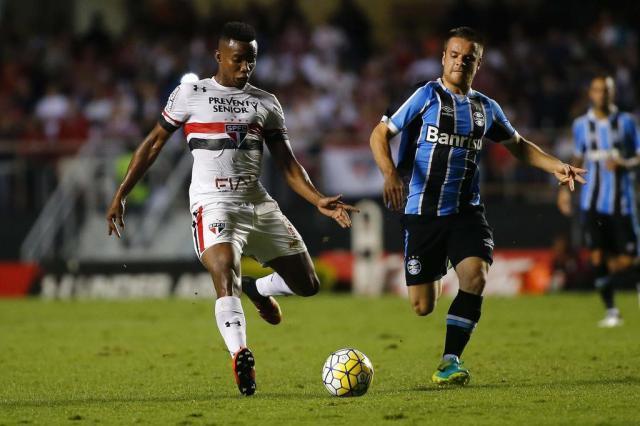 Com o sonho da tríplice coroa, Grêmio enfrenta o desesperado São Paulo no Morumbi MARCOS BEZERRA/FUTURA PRESS/ESTADÃO CONTEÚDO