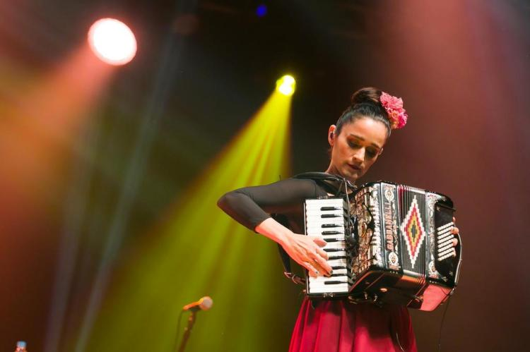 Veja como foi o show de Julieta Venegas em Porto Alegre Andréa Graiz/Agencia RBS