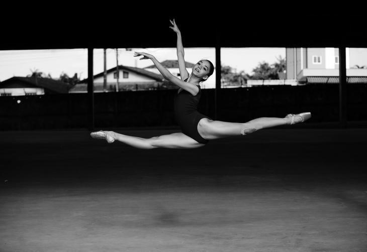 Carolyne Galvão Freitas, 16 anos - Aluna do Balé Juvenil do Centro Cultural Gustav Ritter (GO), indicada a melhor bailarina