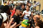VÍDEO: em evento de patrocinador, Neymar não fala sobre possível saída para o PSG HECTOR RETAMAL / AFP/AFP
