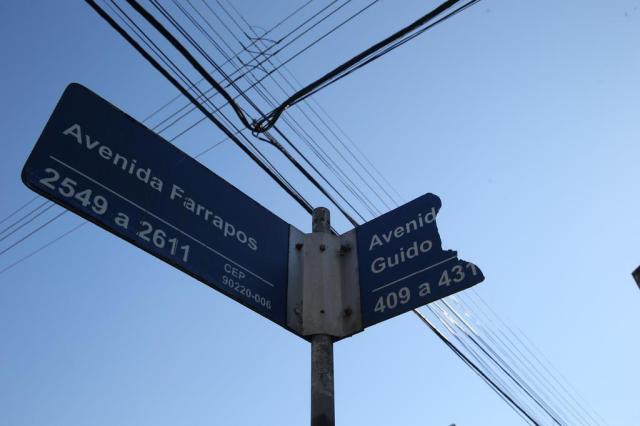 Saiba por que faltam placas nas esquinas em Porto Alegre Fernando Gomes/Agencia RBS