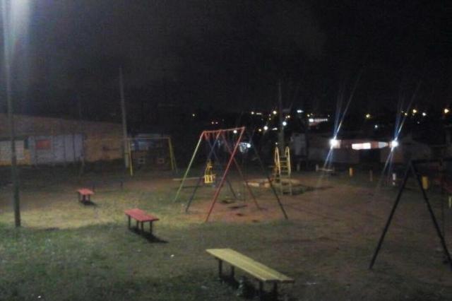 Depois de um mês no escuro, rua e praça na Zona Norte voltam a ter iluminação PMPA/Divulgação
