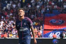 Neymar, Bruna e a corte do rei brasileiro já muito clara no PSG JACQUES DEMARTHON/AFP
