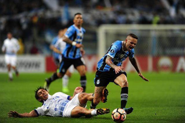Leonardo Oliveira: um conselho para Luan: não peça água durante os treinos no Spartak André Ávila/Agência RBS