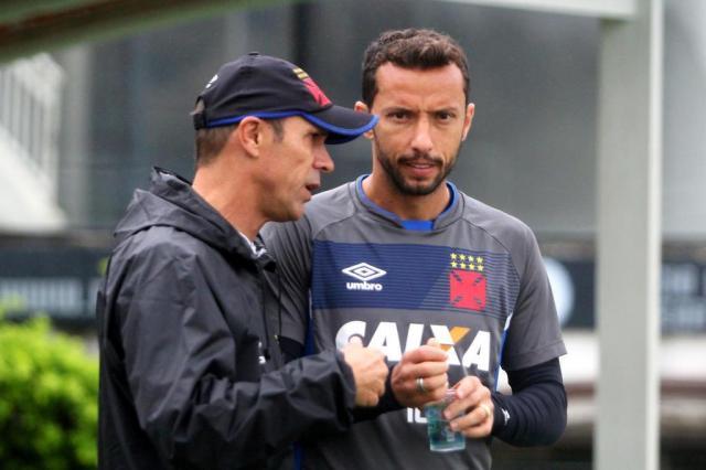 """Milton conta que está tudo resolvido com Nenê, mas diz: """"Perdeu espaço"""" Paulo Fernandes/Vasco/Divulgação"""