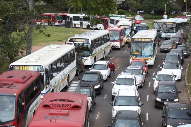 Sem BRT, especialistas apontam medidas paliativas para o trânsito em Porto Alegre Jefferson Botega/Agencia RBS