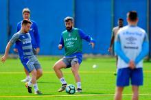 Se Douglas entrar em campo sem condições de jogo, não vai ajudar o Grêmio Mateus Bruxel / Agência RBS/Agência RBS