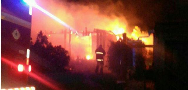 Casa palco de chacina é destruída por incêndio em Tramandaí Corpo de Bombeiros Militar/