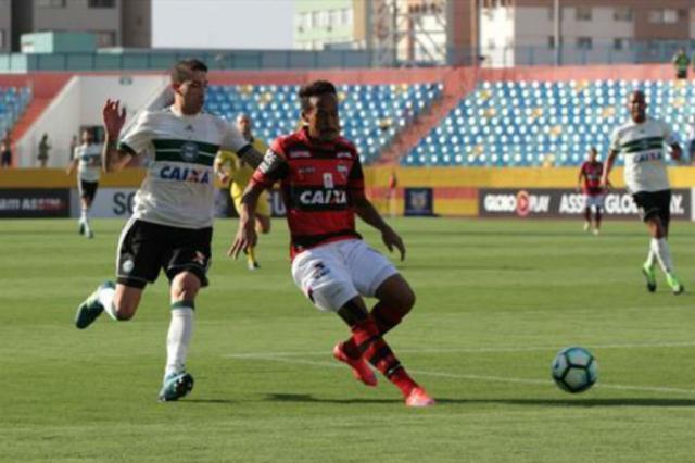 Atlético-GO vence o Coritiba e ainda sonha com permanência Coritiba / Divulgação/Divulgação