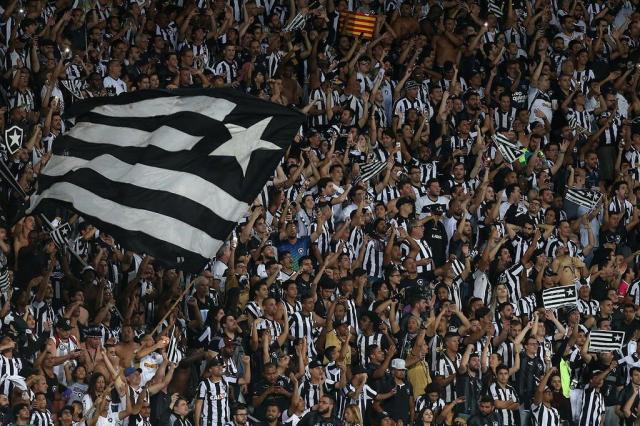 De novo, o debate sobre racismo no futebol vira papo de rivalidade clubística Vitor Silva/SSPress / Botafogo