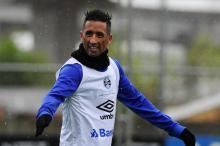Como ajudar Lucas Barrios a marcar gols contra o Botafogo na Libertadores Mateus Bruxel/Agencia RBS
