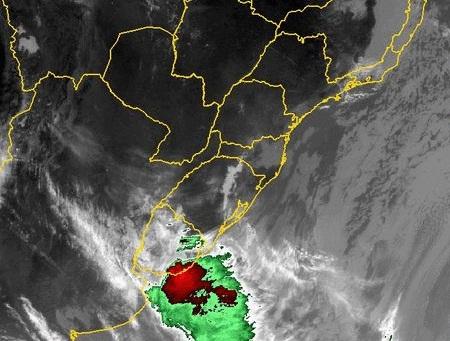 Quarta-feira será coberta por nuvens e instabilidade em Santa Catarina