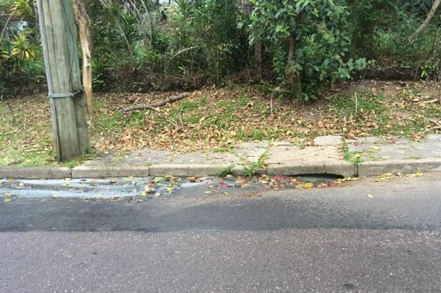 Vazamento de água no bairro Lomba do Pinheiro causa transtornos aos moradores Airton Poganski/Arquivo pessoal