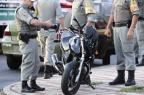 Motorista foge após bater em moto e deixar PM ferido na Avenida Ipiranga, em Porto Alegre Ronaldo Bernardi/Agência RBS