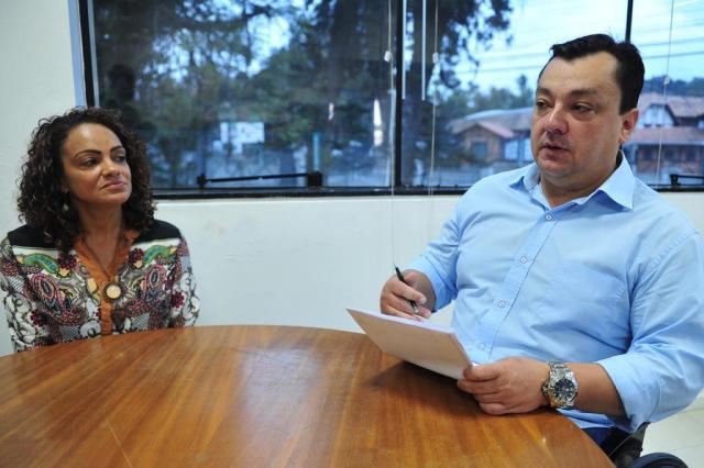 Excesso de cobrança teria motivado alunas a sabotarem água de professora em Santa Catarina Salmo Duarte/A Notícia
