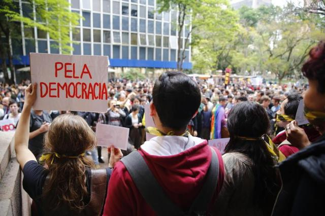 """""""Queermuseu"""": professores da UFRGS divulgam nota de repúdio ao fechamento da exposição Isadora Neumann/Agencia RBS"""