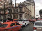 Grupo de taxistas protesta em Porto Alegre Marina Pagno / Agência RBS/Agência RBS