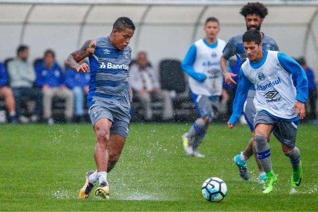 Em possível teste para domingo, Renato esboça Grêmio com Everton e Arroyo nas pontas Lucas Uebel / Grêmio, Divulgação/Grêmio, Divulgação