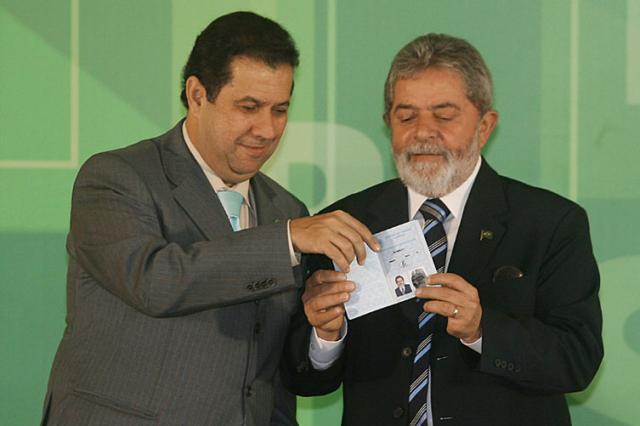 Governo lança novo modelo de carteira de trabalho Divulgação /
