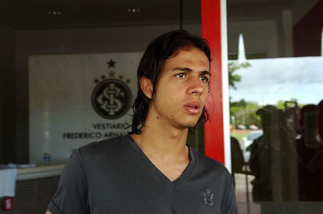 Nilmar estaria na lista de contratações do Real Madrid Arivaldo Chaves/