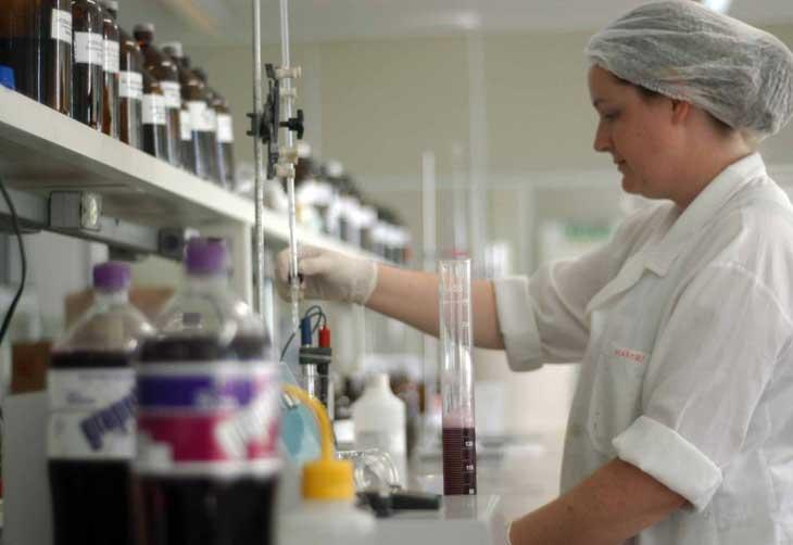 Fábrica em Santa Maria investe na produção do refrigerante Grapette Charles Guerra /