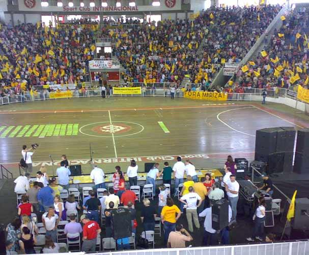 Assembléia começa com discursos inflamados por greve na Capital Genaro Joner/