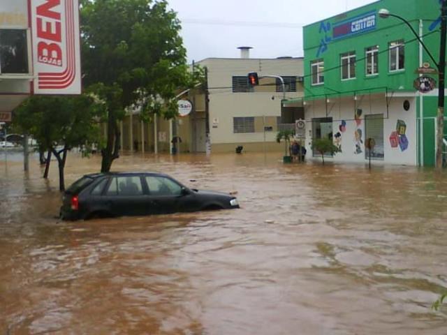 Resultado de imagem para foto Ciclone extratropical provoca estragos em três cidades do Rio Grande do Sul