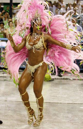 Pernas grossas são o novo padrão de beleza feminina? Divulgação/