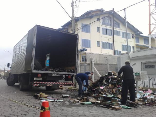 Polícia de Bento Gonçalves investiga incêndio criminoso em caminhão do Tribunal de Justiça Guilherme A.Z. Pulita/