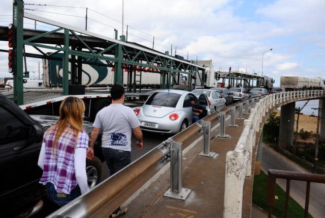 Pane no vão móvel da Ponte do Guaíba causa colapso no trânsito da Região Metropolitana Ronaldo Bernadi/
