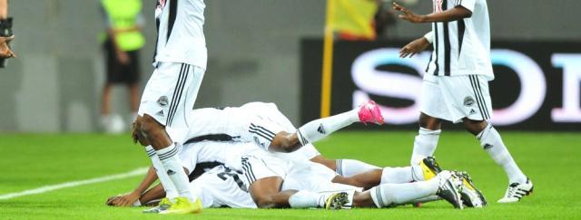 Inter perde para o Mazembe por 2 a 0 e está fora da final do Mundial de Clubes de 2010 Jefferson Botega /