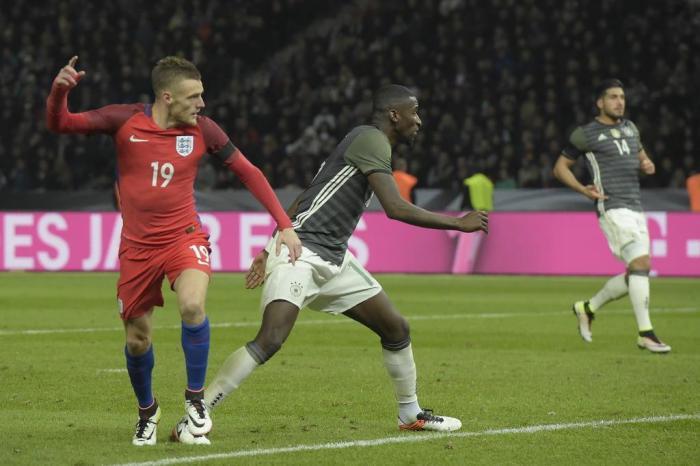 Inglaterra consegue virada e vence Alemanha por 3 a 2 em Berlim ... e9cede1c17a3a