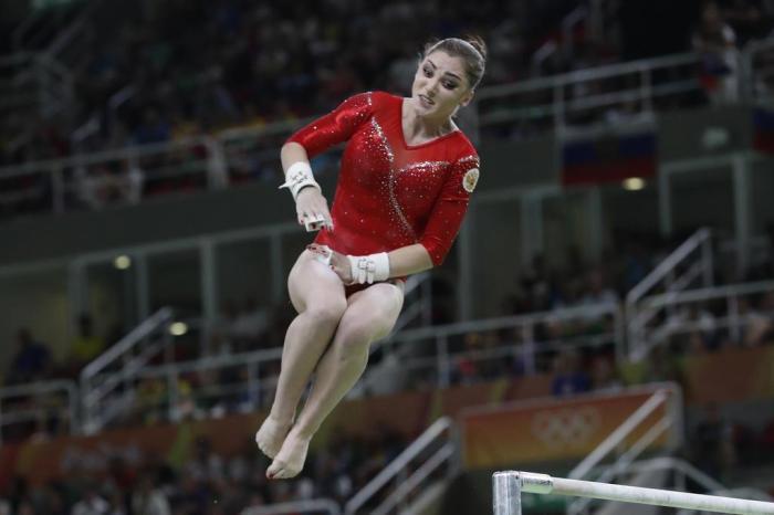 russa aliya mustafina é ouro nas barras assimétricas gaúchazh