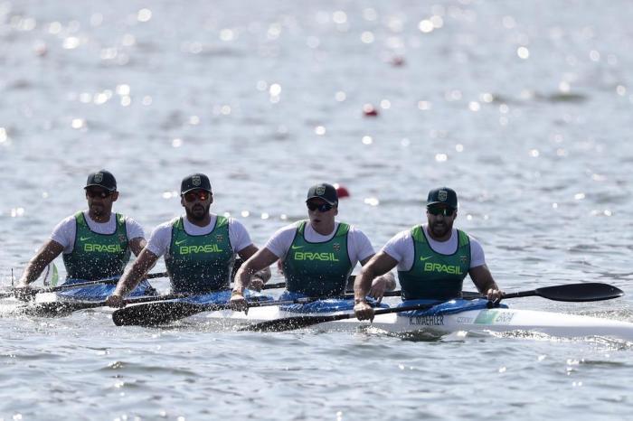 Gilvan Ribeiro (E) em prova do K4 na manhã desta sexta-feira na Lagoa  Rodrigo de FreitasAlexandre Loureiro   Exemplus 4c2df5af3aef4